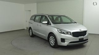 2017  Kia Carnival Wagon (Silver) Used Car Thumbnail